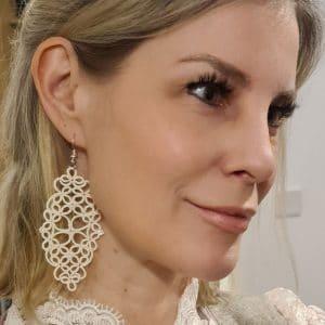 Ohrringe Galaxy creme Kerstin Reitterer im Detail